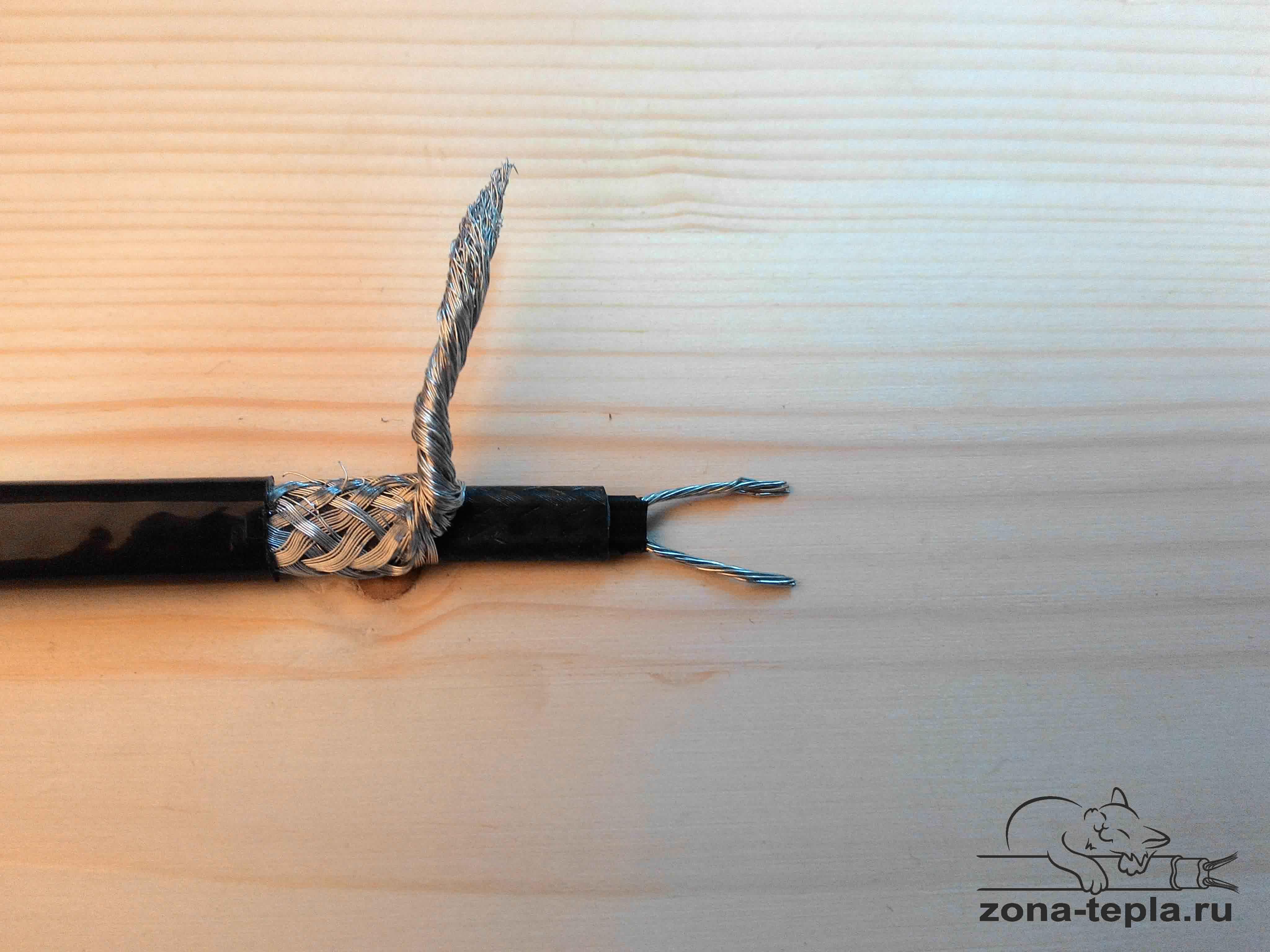 Саморегулирующийся греющий кабель внутри трубы SEU-20